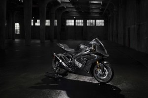 P90242019 lowRes bmw-hp4-race-advance