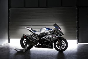 P90254412 lowRes bmw-hp4-race-04-2017