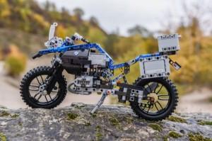 P90241828 lowRes lego-technic-bmw-r-1
