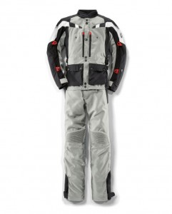P90235181 lowRes bmw-suit-gs-dry-men-