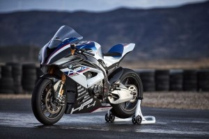 P90254417 lowRes bmw-hp4-race-04-2017