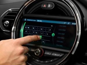 P90232856 lowRes mini-8-8-touchscreen