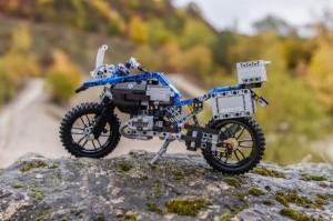 P90241827 lowRes lego-technic-bmw-r-1