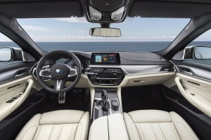 BMW-M550i-xDrive-M-Performance-BMW-Serie-5-G30-9